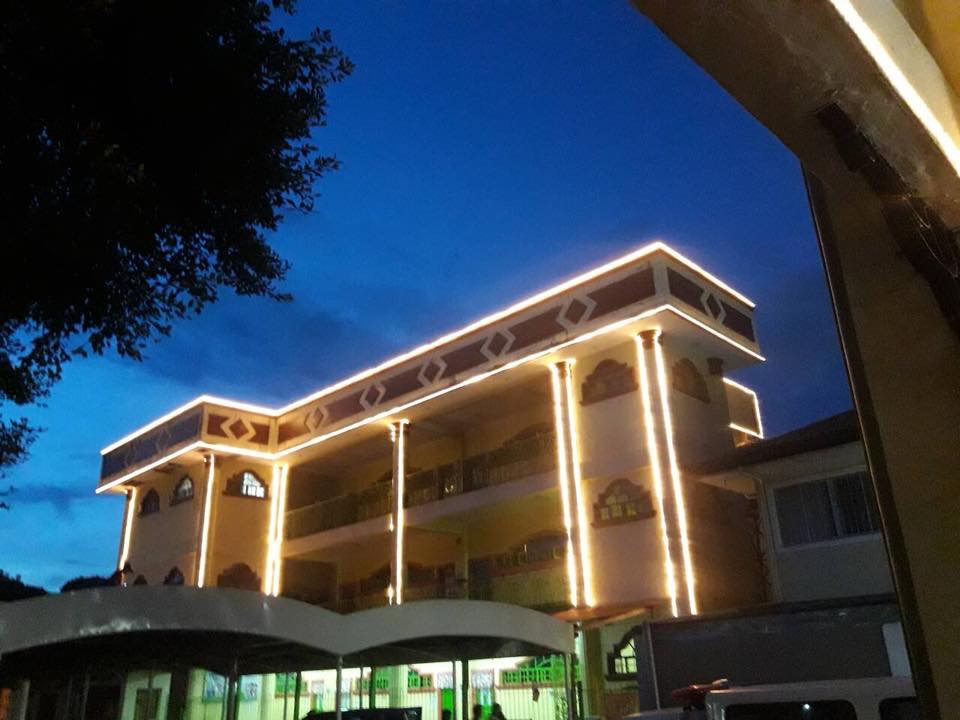 pulanlupa-elementary-school-facade-lighting